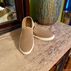 Steve Madden tan sneakers